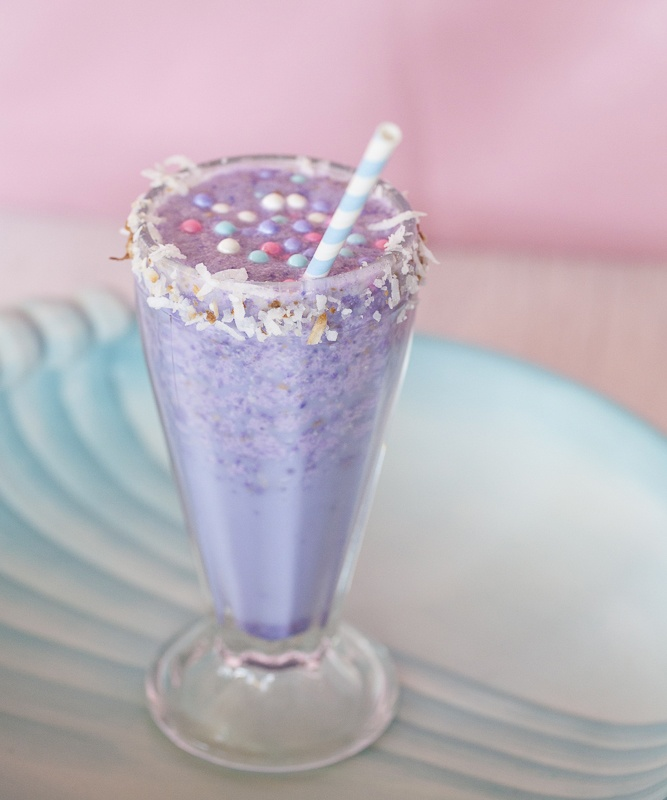 The Sparkling Pearl Tropical Cocktail